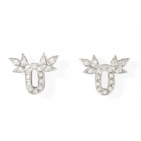 Gold earrings O