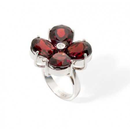 Garnets Diamond Ring FLOWERS