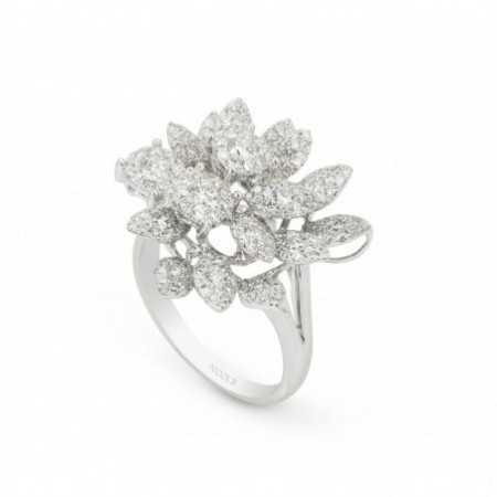 MULTIPLE BLADES diamond ring